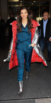 shoes,hailee steinfeld,suit,boots,silver boots,celebrity,blazer,pants