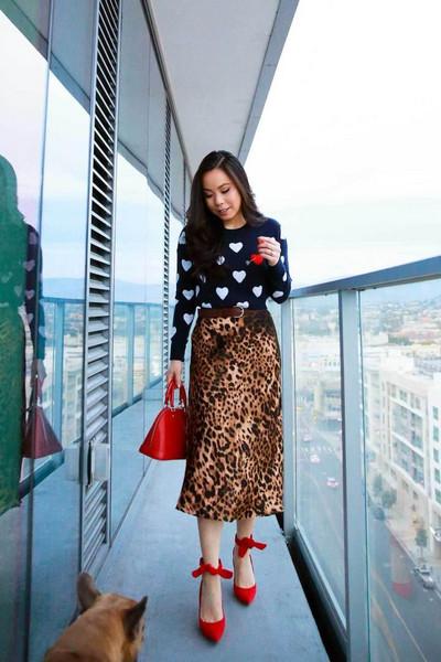 hautepinkpretty blogger sweater skirt shoes