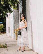 dress,white dress,maxi dress,polka dots,sleeveless,self portrait,pumps,black bag