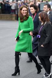 shoes,ankle boots,green,grey dress,kate middleton,celebrity,fall outfits,fall dress