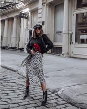 skirt,midi skirt,black and white,leopard print,high waisted skirt,black boots,heel boots,ankle boots,black sweater,shoulder bag,beret
