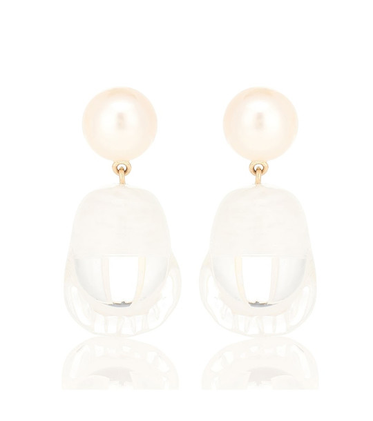 Sophie Bille Brahe Venus Vere 14-kt yellow gold earrings with pearls in white
