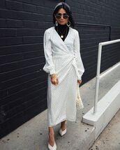 dress,white dress,polka dots,wrap dress,midi dress,white bag,mules,h&m