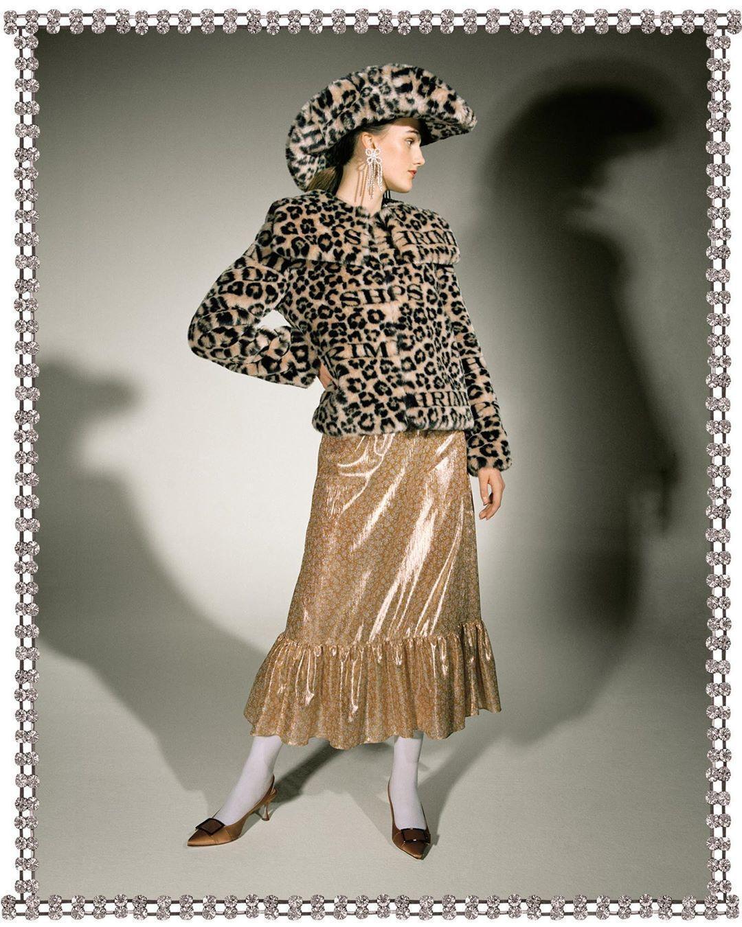 hat jewels dress