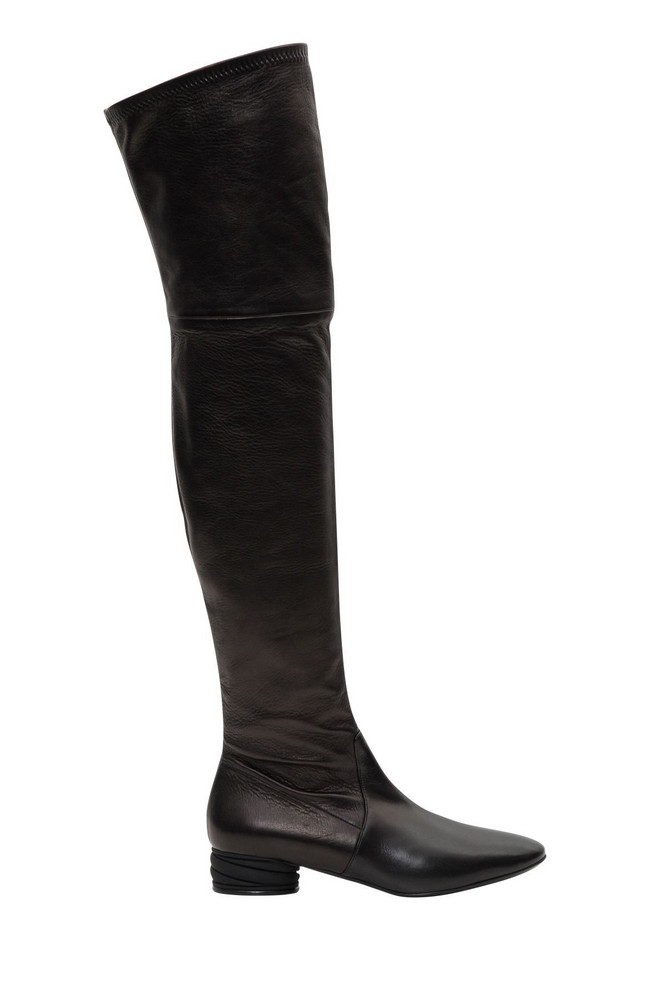 Casadei Ovwer-the-knee Boots in nero