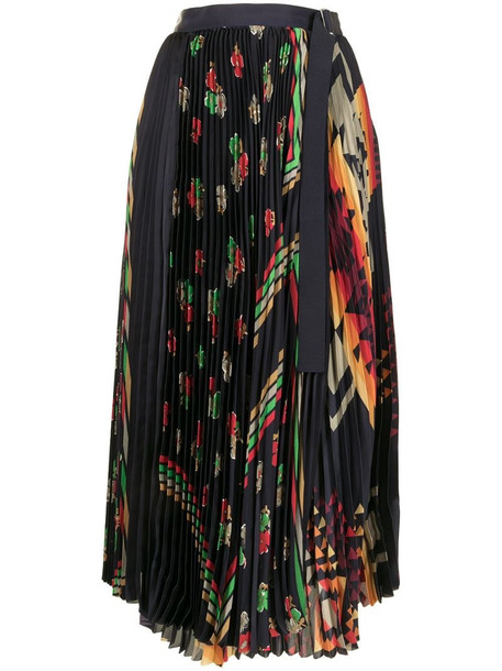 Sacai abstract print pleated skirt in blue