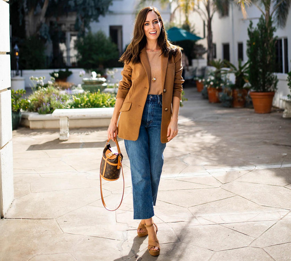 sydne summer's fashion reviews & style tips blogger jeans shoes sweater jacket shirt louis vuitton bag sandals blazer fall outfits