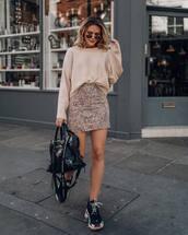 skirt,mini skirt,high waisted skirt,black sneakers,black bag,sweater