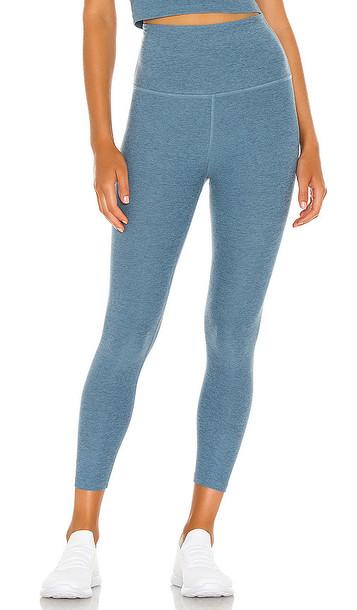 Beyond Yoga Spacedye Walk And Talk High Waisted Capri Legging in Blue