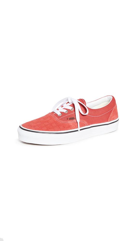 Vans UA Era Sneakers in red / white