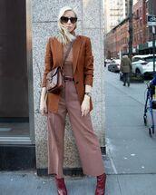pants,wide-leg pants,knee high boots,blazer,crossbody bag