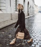 sweater,turtleneck sweater,pullover,black sweater,oversized sweater,bag,ankle boots,midi skirt