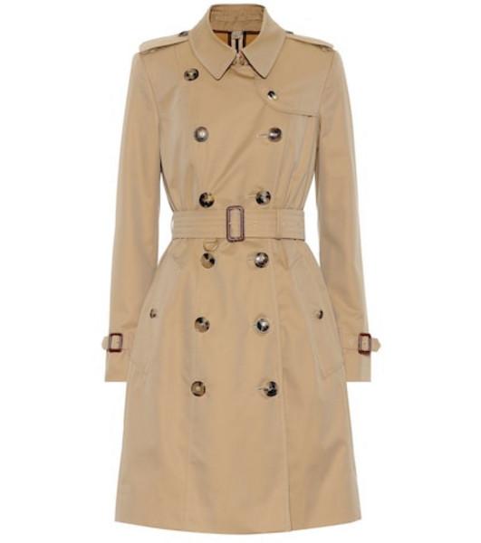 Burberry Cotton gabardine trench coat in beige / beige