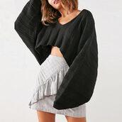 sweater,v neck,black crop top sweater,black v neck crop top sweater