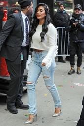 jeans,denim,celebrity,nicole scherzinger,cropped,cropped sweater,pumps