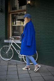 shoes,sneakers,streetstyle,streetwear,blue,blue coat,model,instagram