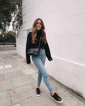 jeans,skinny jeans,black sneakers,black sweater,chanel bag