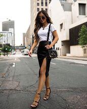 skirt,black skirt,leather skirt,midi skirt,black sandals,white t-shirt,black bag
