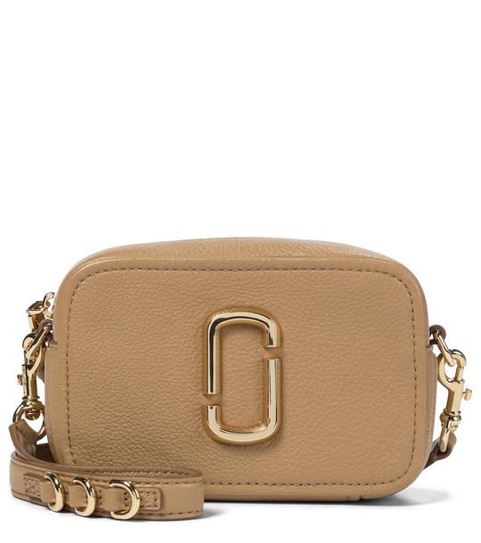 Marc Jacobs Softshot 17 leather crossbody bag in beige