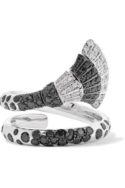 de GRISOGONO - Ventaglio 18-karat White Gold Diamond Ring
