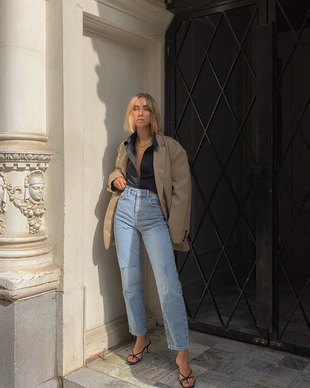 jeans high waisted jeans straight jeans black sandals blazer shirt