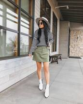 skirt,mini skirt,high waisted skirt,ankle boots,white boots,striped sweater,turtleneck sweater,hat