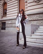 shoes,black boots,black pants,grey coat,black top,bag
