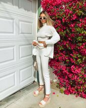 pants,white pants,skinny pants,high waisted pants,platform sandals,turtleneck sweater,cropped sweater,white blazer,bag