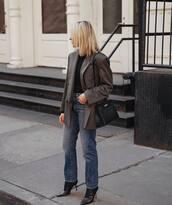 jeans,straight jeans,high waisted jeans,black boots,blazer,black bag,black top