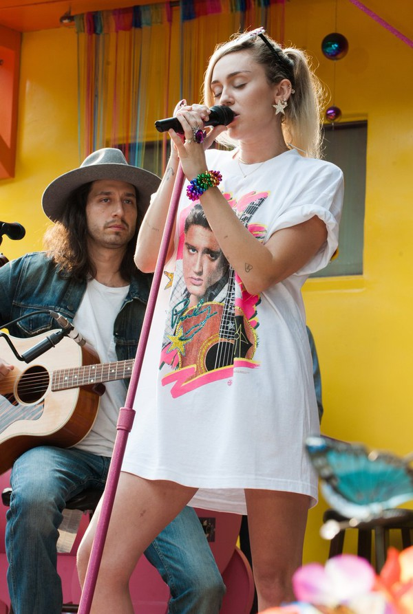 top t-shirt t-shirt t-shirt dress miley cyrus elvis presley elvis elvispresley graphic tee music tshirt band t-shirt