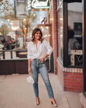 jeans,high waisted jeans,cropped jeans,sandal heels,white shirt,white bag