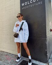 sweater,white hoodie,sneakers,socks,crossbody bag