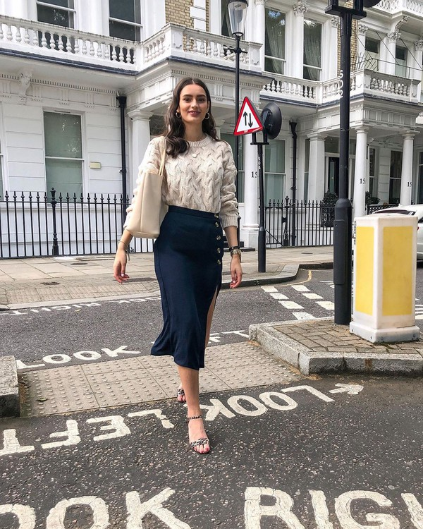 skirt midi skirt slit skirt sandal heels white sweater shoulder bag