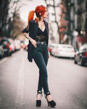 jeans,black jeans,skinny jeans,high heel pumps,black blazer,lace top