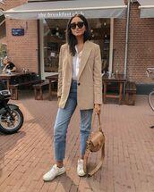 jacket,blazer,cropped jeans,white sneakers,white shirt,bag