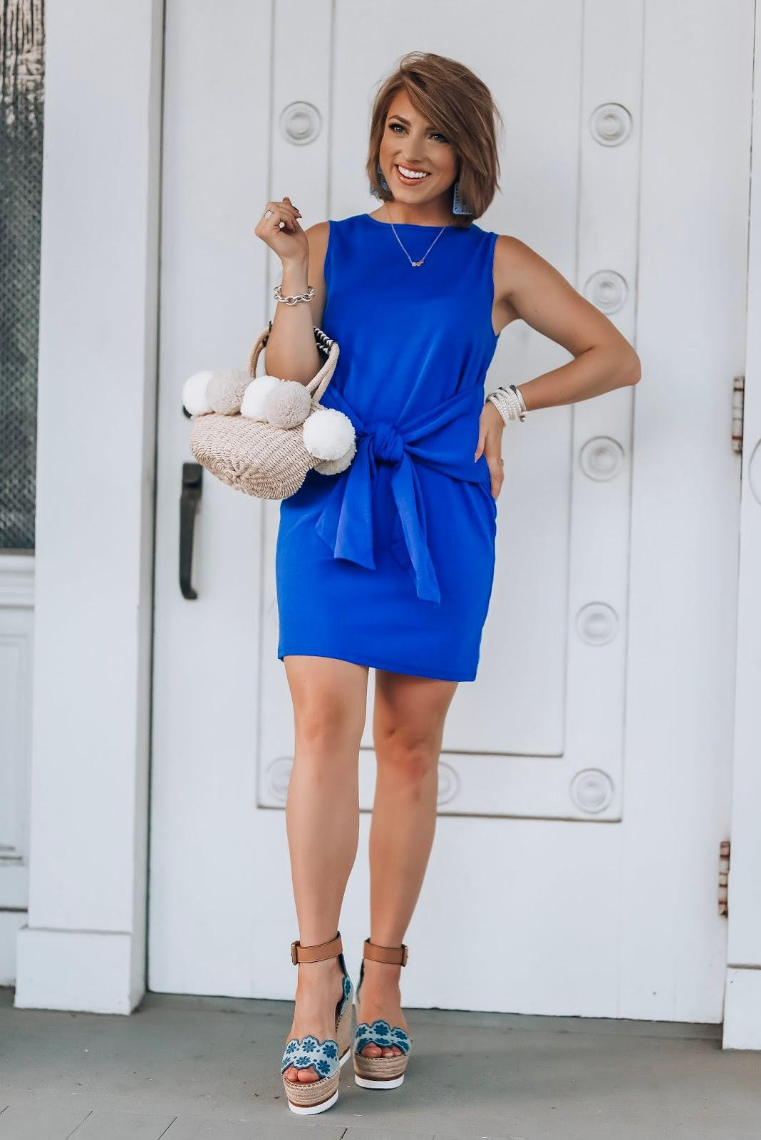 something delightful blogger dress jewels bag shoes