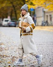 coat,faux fur,faux fur coat,sneakers,joggers,beanie,bag