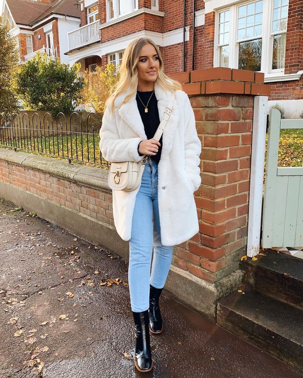 coat white coat faux fur coat black boots ankle boots skinny jeans black top crossbody bag