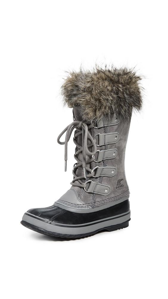 Sorel Joan of Arctic Boots in black