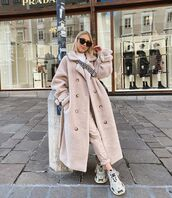 coat,wool coat,teddy bear coat,sneakers,double breasted,high waisted pants,white turtleneck top,crossbody bag