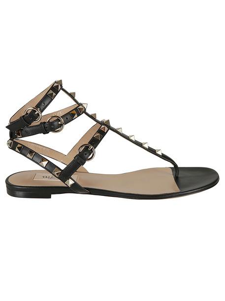 Valentino Garavani Rockstud Flat Sandals in nero