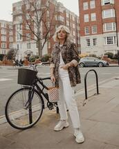 jeans,white jeans,straight jeans,cropped jeans,white sneakers,oversized jacket,leopard print,white t-shirt,handbag