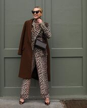 jacket,blazer,leopard print,pants,high heel pumps,brown coat,turtleneck,bag