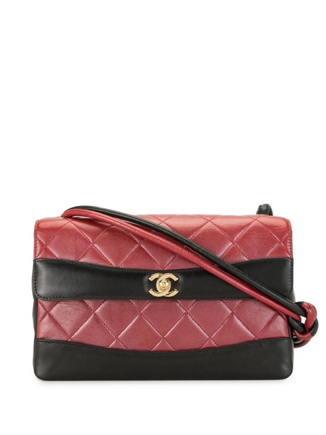 Chanel Pre-Owned 2001 quilted CC shoulder bag in red