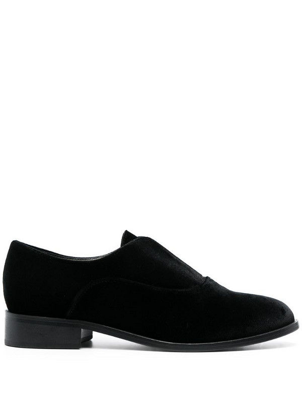Tila March Serge shoes in black