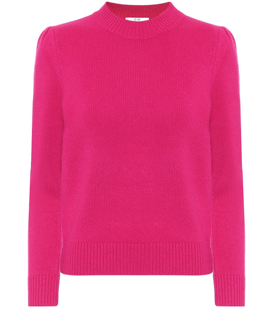 Co Cashmere turtleneck sweater in pink