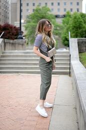 blonde bedhead,blogger,t-shirt,shoes,belt,bag