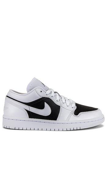 Jordan Air Jordan 1 Low Sneaker in black / white