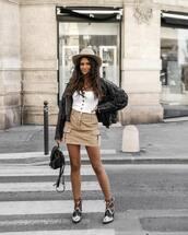 skirt,mini skirt,high waisted skirt,white blouse,ankle boots,black leather jacket,black backpack