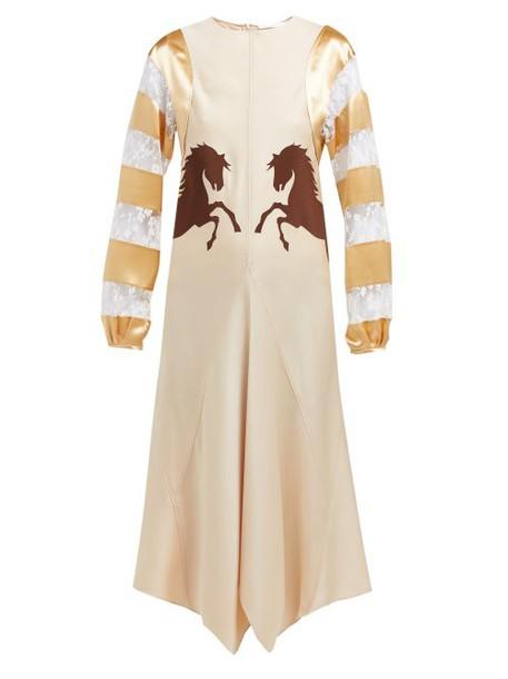 Chloé Chloé - Little Horses Appliqué Panelled Satin Midi Dress - Womens - Beige Multi